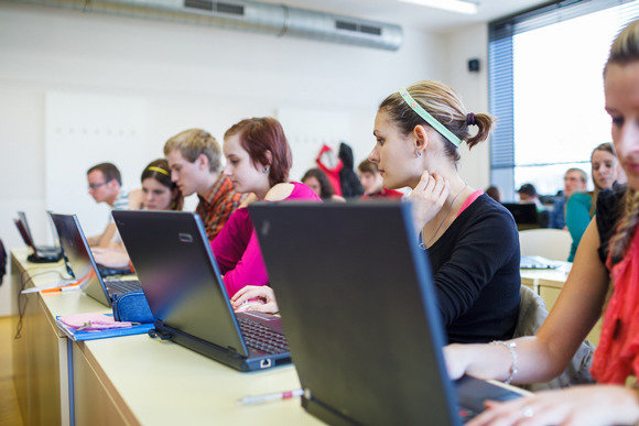 5 Reasons Why You Need a Laptop For College